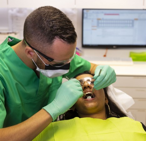 General dentists for dental practices throughout the Netherlands